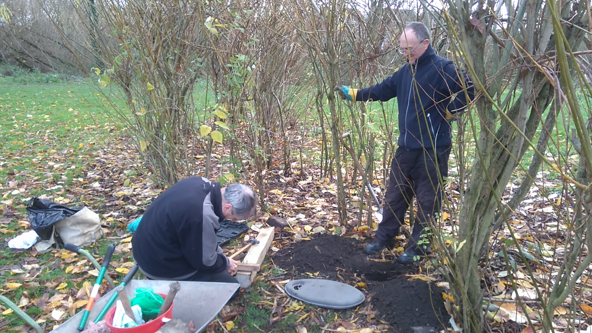 New orienteering post being prepared for Prince's Park